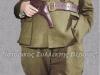 Επιχρωματισμένη φωτογραφία όπου εμφανίζει τον Ναπολέων Ζέρβα το 1944 στην Αθήνα ως Αρχηγός του ΕΔΕΣ μετά το τέλος του Β΄ΠΠ.