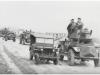 Φωτογραφία του 1948 όπου εμφανίζει μηχανοκίνητη φάλαγγα του Ελληνικού Στρατού σε αναμονή στην ορεινή περιοχή της Καστοριάς.