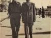 Τα αδέλφια Σωτήριος και Αριστείδης Ντόντος (χωροφύλακες) σε αναμνηστική φωτογραφία το 1952