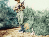 Φωτογραφία στα τέλη της δεκαετίας του 1960 όπου εμφανίζει τον θείο μου Γεώργιο Ντόντο του Κανέλλου κατά την διάρκεια της στρατιωτικής του θητείας στον Αυστραλέζικο Στρατό σε περίοδο ασκήσεων-αναγνωρίσεων.