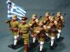 Σετ αποτελούμενο από 7 μολυβένια στρατιωτάκια όπου απεικονίζουν Ελληνικό άγημα αποτελούμενο από 6 εύζωνες και έναν αξκο με στολές του Α.ΠΠ, και τα οποία έχουν κατασκευαστεί στις ΗΠΑ την δεκαετία του 1960.