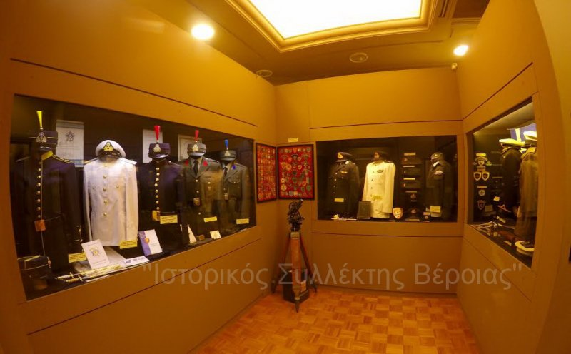 Πανοραμική άποψη από αίθουσα του 2ου ορόφου στο Βλαχογιάννειο μουσείο που είναι αφιερωμένη στις Ελληνικές Στρατιωτικές Παραγωγικές Σχολές και στο Ελληνικό Πολεμικό Ναυτικό.