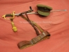 ΔΩΡΕΑ του ΠΟΛΕΜΙΚΟΥ ΜΟΥΣΕΙΟΥ ΑΘΗΝΩΝ στο ΒΛΑΧΟΓΙΑΝΝΕΙΟ ΜΟΥΣΕΙΟ. Πηλήκιο ξίφος και εξάρτυση αξκου περιόδου 1950-1960.